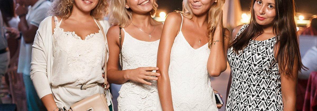 Фотоотчет 30 июля москвич бар summer White Party