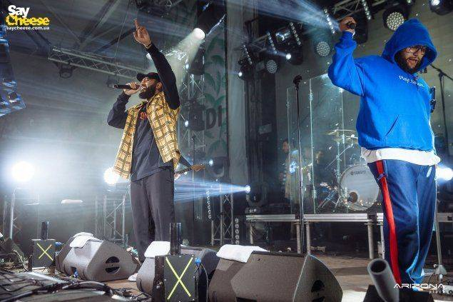 03.09 Arizona Place — концерт HAMMALI & NAVAl фото Saycheese